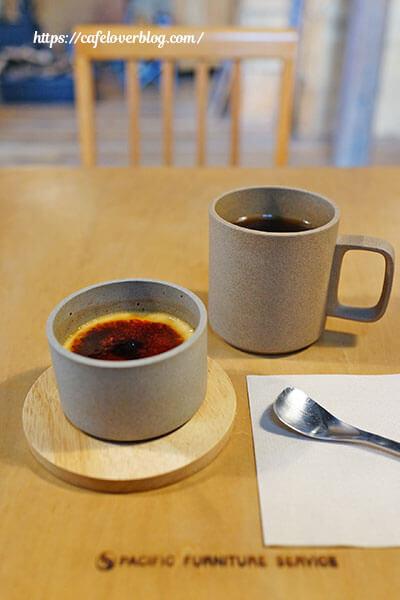 Izumiya Coffee Stand◇自家製プリンと今日のハンドドリップコーヒー