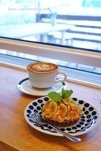 Little Barn Coffee◇季節のタルトとカプチーノ