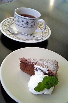 Cafe HOLIDAY◇チョコケーキとケニアティー(2008.10)