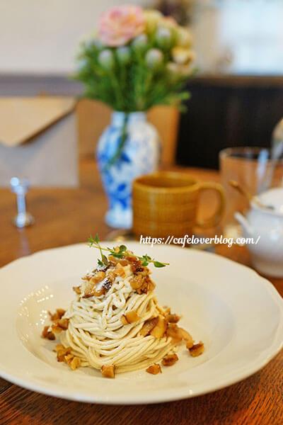 喫茶 湊(みなと)◇熊本県産利平栗のモンブランとシングル(ストレート)