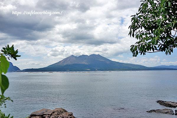 桜島を東側から望む