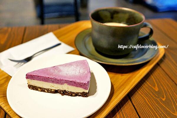 繭久里カフェ◇フルーツのRawケーキとブレンド