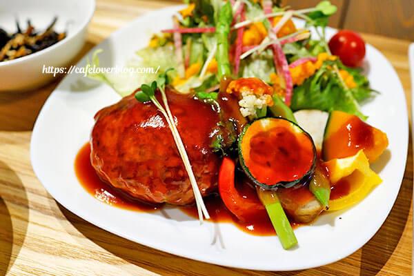 繭久里カフェ◇香り豚と豆腐の手ごねハンバーグ