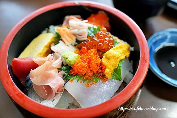 鹿児島市中央卸売市場魚類市場の海鮮丼