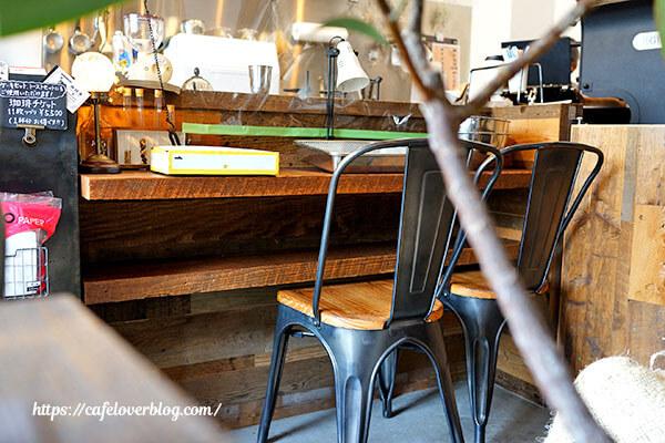 AMBER DROP COFFEE ROASTERS◇店内