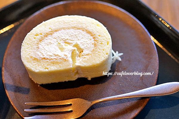 ISLAND STONE COFFEE ROASTERS◇季節のロールケーキ
