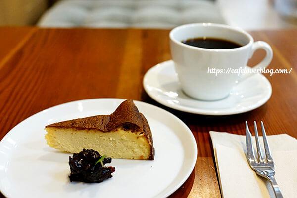 Cafe D+◇バスクチーズケーキ / ブレンドコーヒー