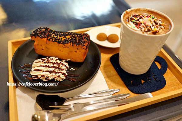 Café tenten..◇かぼちゃのしっとりケーキ / 大人のカフェモカ