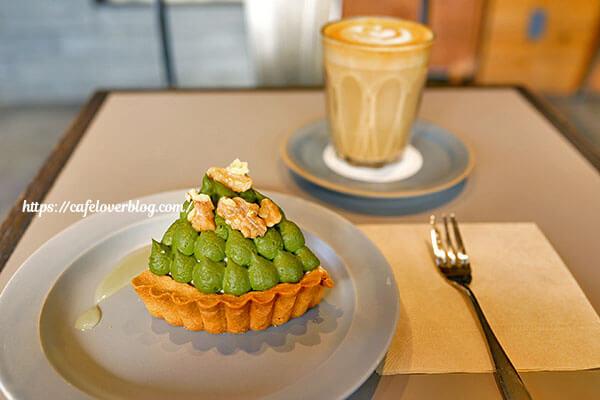 45CAFE◇柚子香る抹茶タルト / カフェラテ