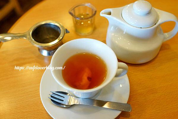 こじか食堂◇自家製シロップの紅茶割り(パイナップル)