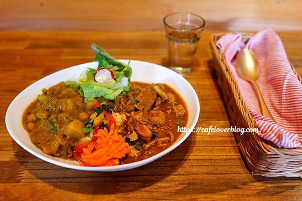 ラムラリジュッティー(ミルティーユ毛呂山)◇Veg+Meat(あいがけカレー)
