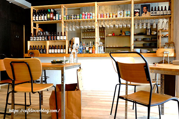 CAFFE & DINING SHACHI◇店内