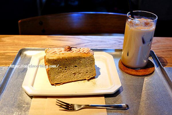 soi cafe◇桜のシフォンケーキ / アイスチャイ