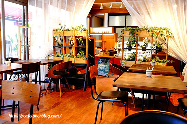 LJ cafe◇店内