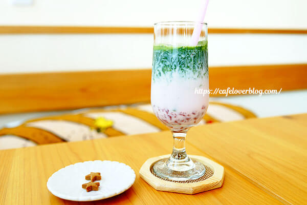 EPICE CAFE◇河越抹茶いちごミルク