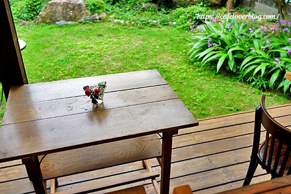 カフェ&ギャラリー空想庭園◇お庭席
